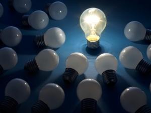 lightbulb_idea_thinking_veer_3x4